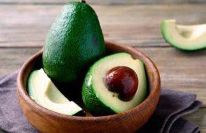 Плоды авокадо очень популярны среди сторонников правильного питания
